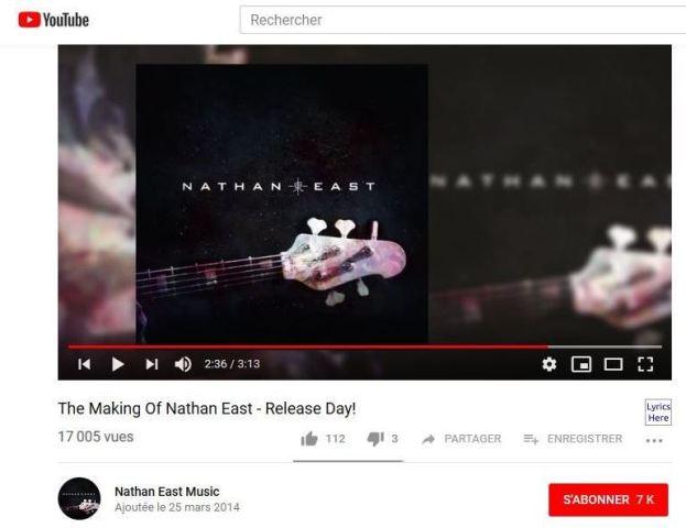 (Capture d'écran d'une vidéo sur la chaîne YouTube de Nathan East.)